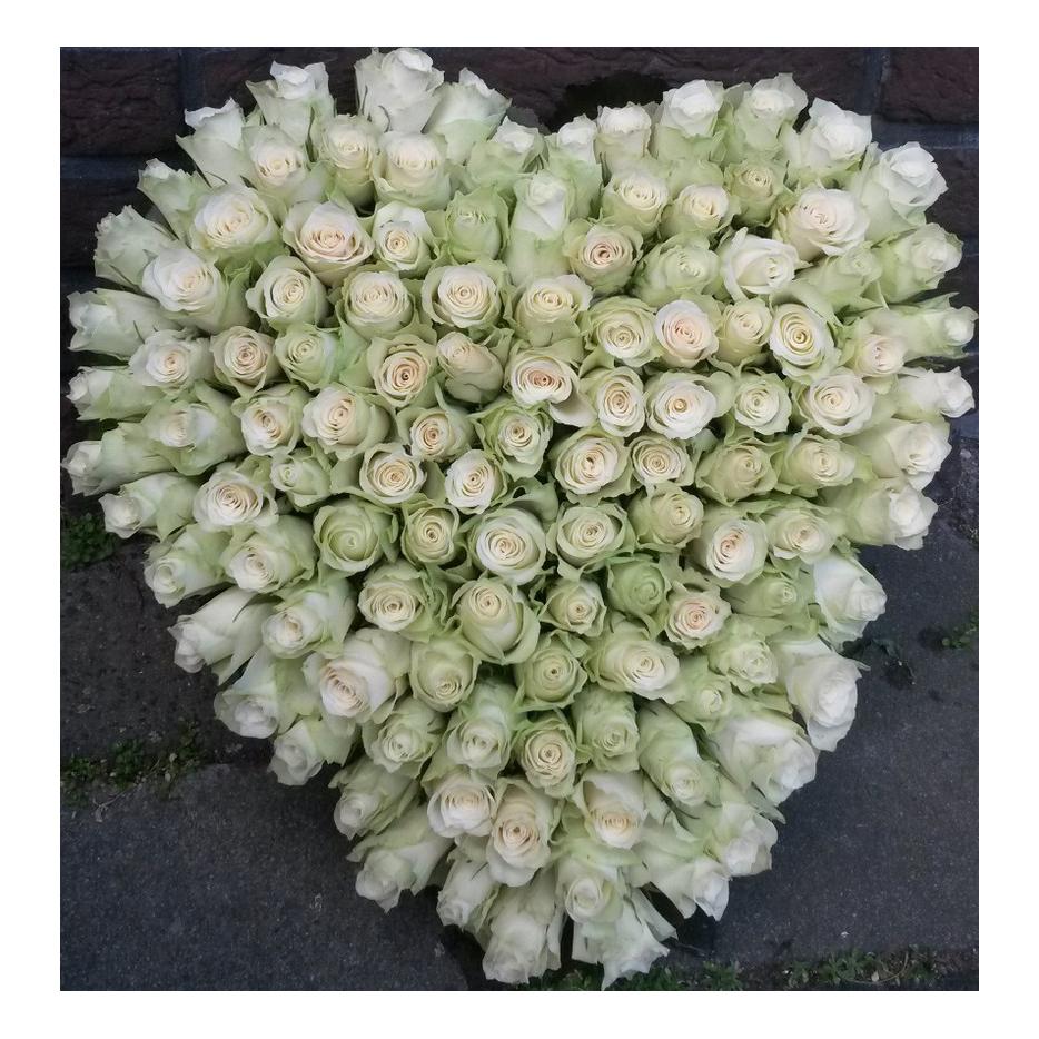 roustuk hat witte rozen
